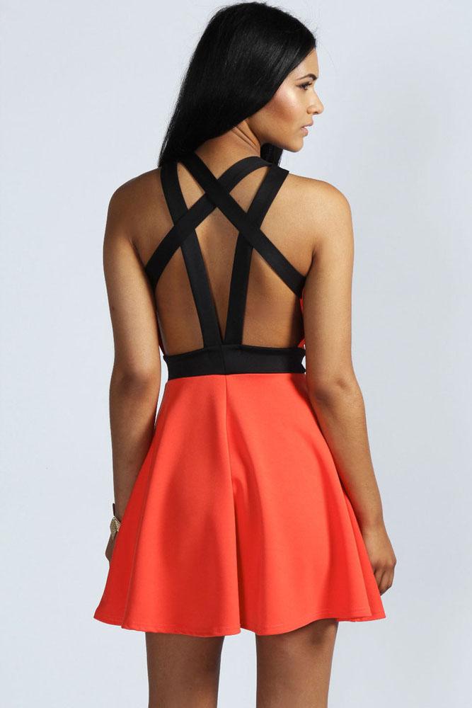 Купить платье с расклешенной юбкой в интернет магазине
