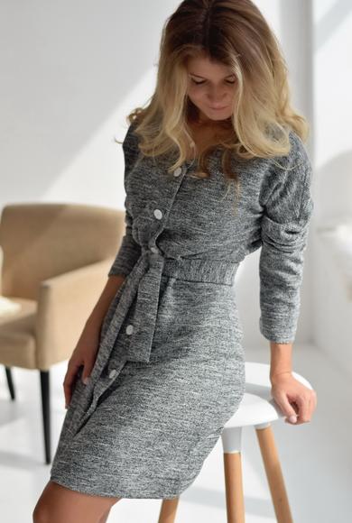 Элегантное платье с длинным рукавом и поясом из вискозы